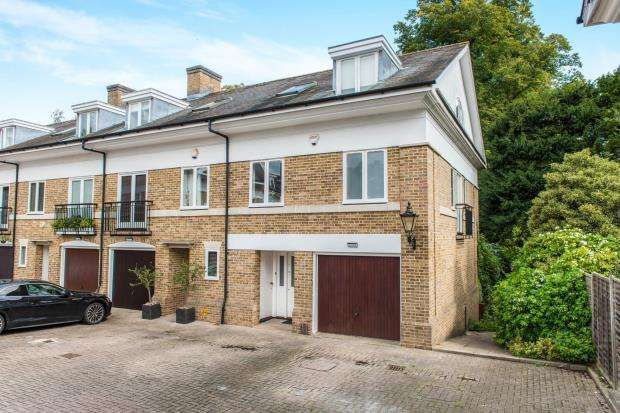 3 Bedrooms End Of Terrace House for sale in Kingston Upon Thames, Surrey, England