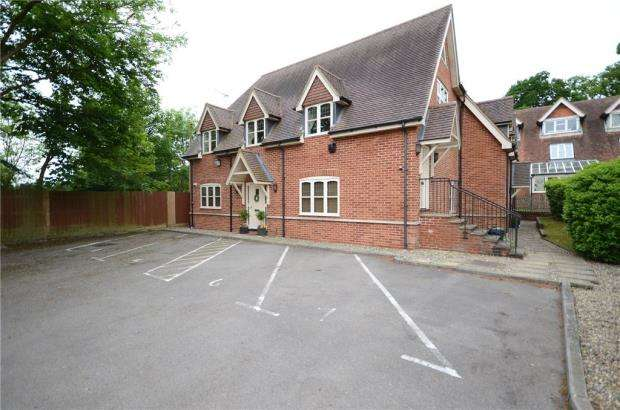 2 Bedrooms Apartment Flat for sale in The Old Chapel, Chapel Lane, Spencers Wood