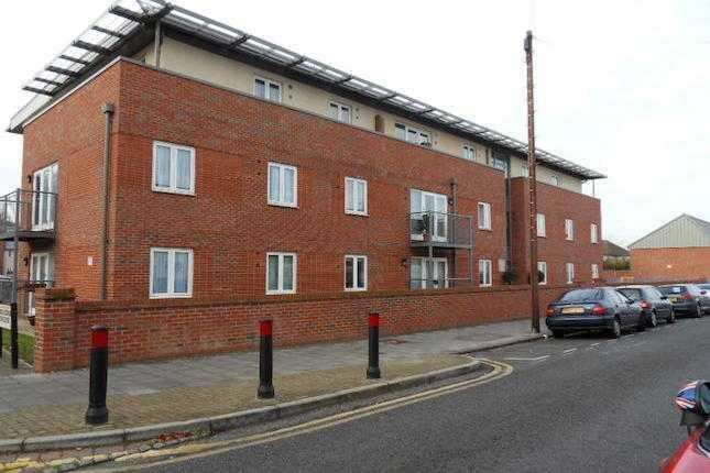 2 Bedrooms Apartment Flat for sale in Guinevere Court, King George Crescent, Wembley