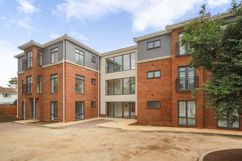 2 Bedrooms Apartment Flat for sale in *OVER 65% SOLD* SHERPA HOUSE, BRAND NEW WITH PARKING AND OUTSIDE SPACE OFF LEVERSTOCK GREEN ROAD HP2 4HN