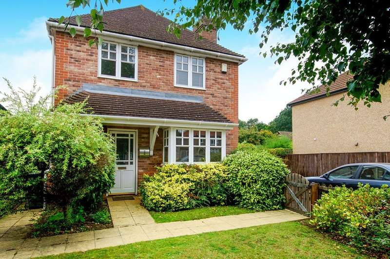 4 Bedrooms Detached House for sale in Stephen Road, Bexleyheath, DA7