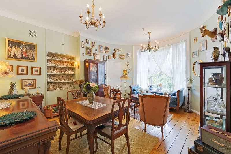 2 Bedrooms Flat for sale in Highbury Place, N5 1QZ
