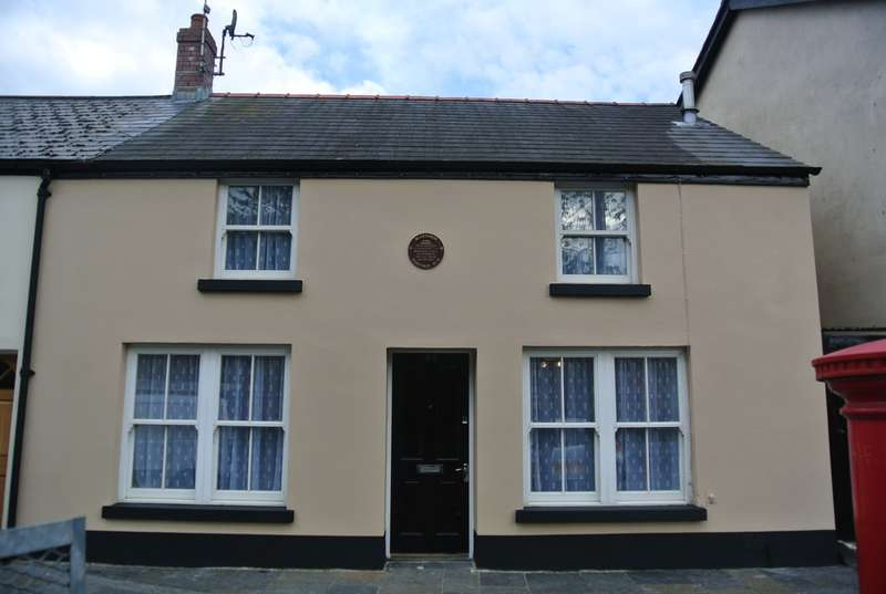 2 Bedrooms End Of Terrace House for sale in King Street, Blaenavon, Pontypool, NP4