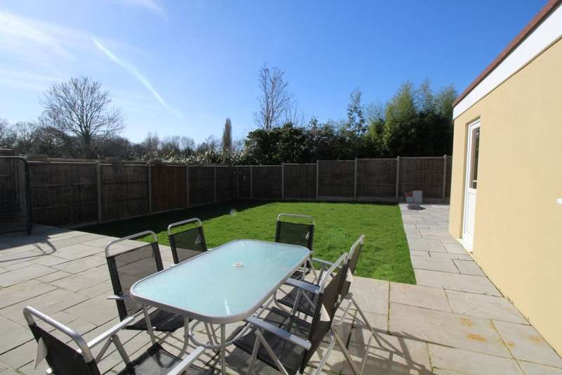 5 Bedrooms Detached House for sale in Whitehaven, Waterlooville, PO8
