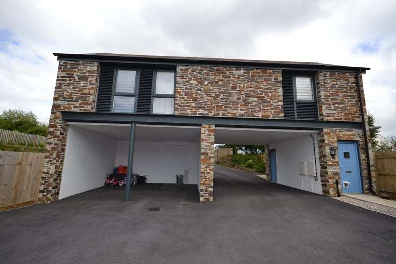 2 Bedrooms Bungalow for sale in Fore Street, Grampound