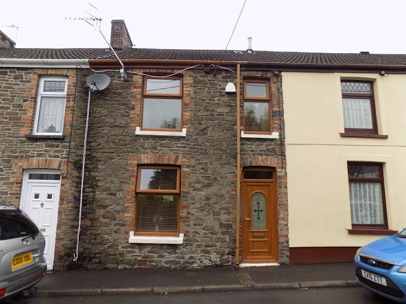 3 Bedrooms Terraced House for sale in Railway Terrace, Resolven, Neath, Neath Port Talbot. SA11