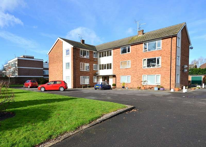 3 Bedrooms Flat for sale in Shepperton