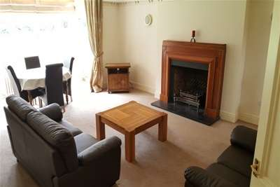 2 Bedrooms Flat for rent in Jesmond Park West, High Heaton, Newcastle upon Tyne