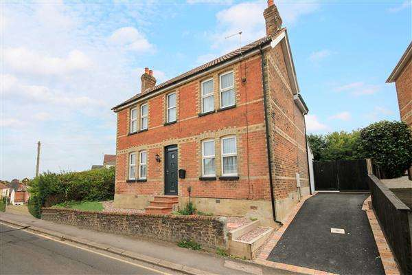 3 Bedrooms Detached House for sale in Dunford Road, Poole