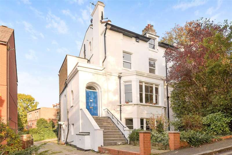 2 Bedrooms Apartment Flat for sale in Aboyne, Waldron Road, Harrow-on-the-Hill