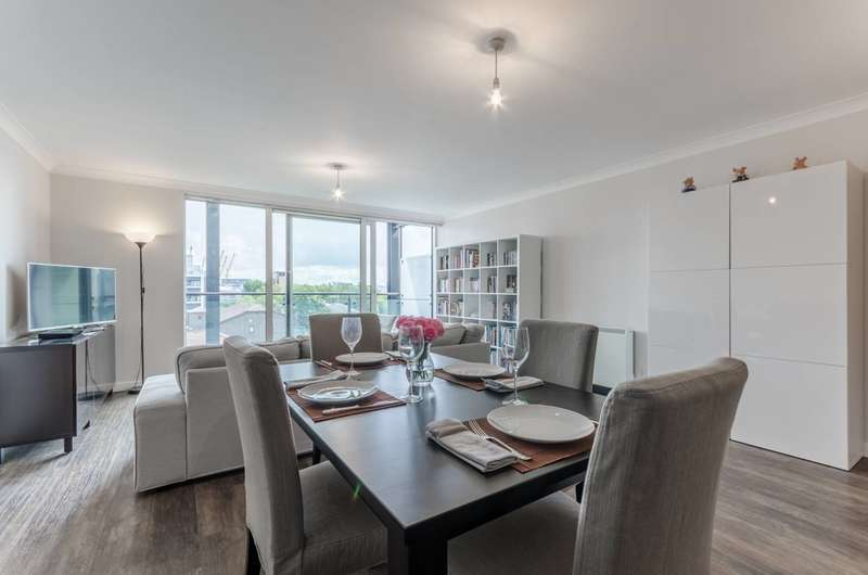 1 Bedroom Flat for sale in Boardwalk Place, Canary Wharf, E14