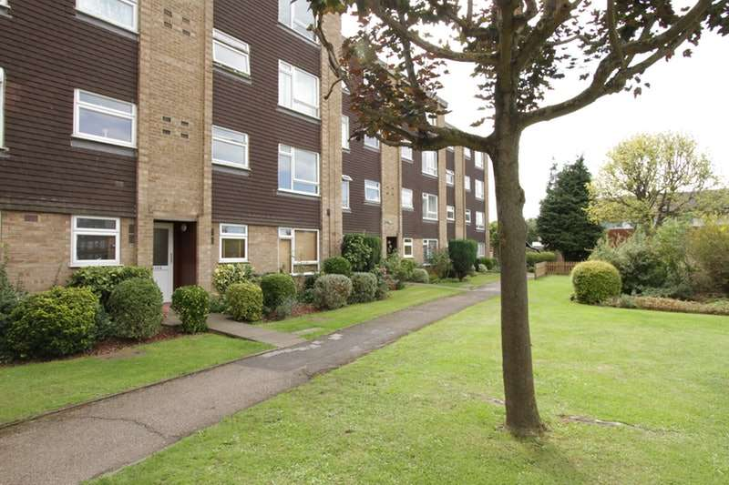 1 Bedroom Flat for sale in Stourton Ave, Hanworth, Middlesex, TW13