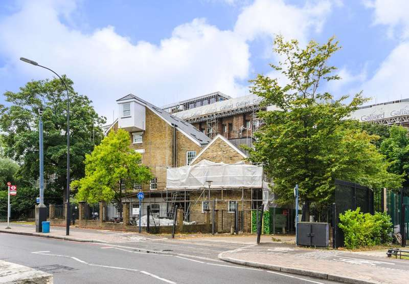1 Bedroom Flat for sale in Riverdale House, Lewisham, SE13