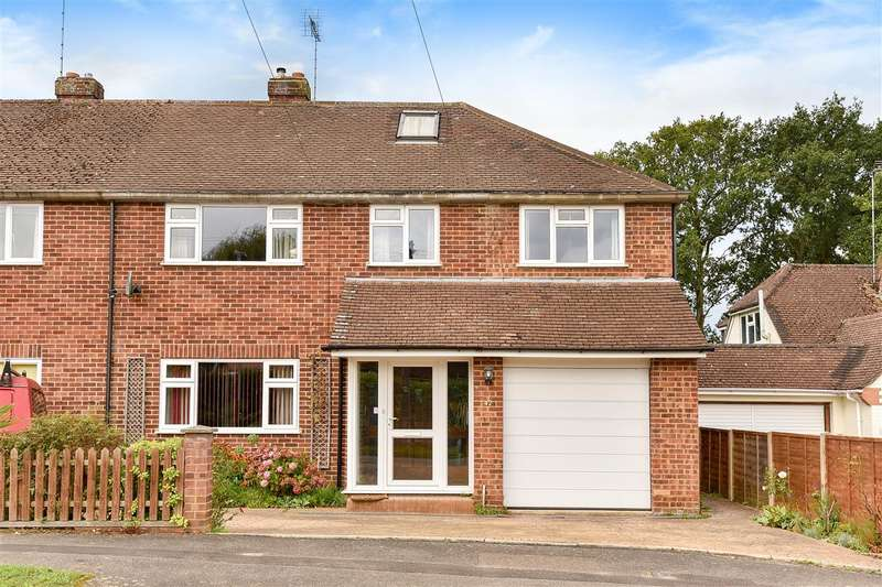 4 Bedrooms Semi Detached House for sale in Frensham Road, Crowthorne