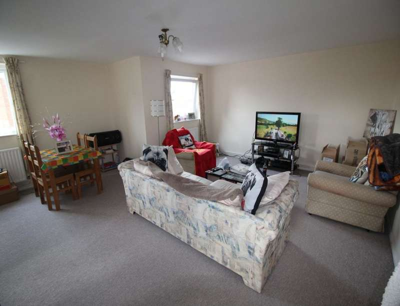 2 Bedrooms Flat for sale in Church Lane, Melksham, SN12