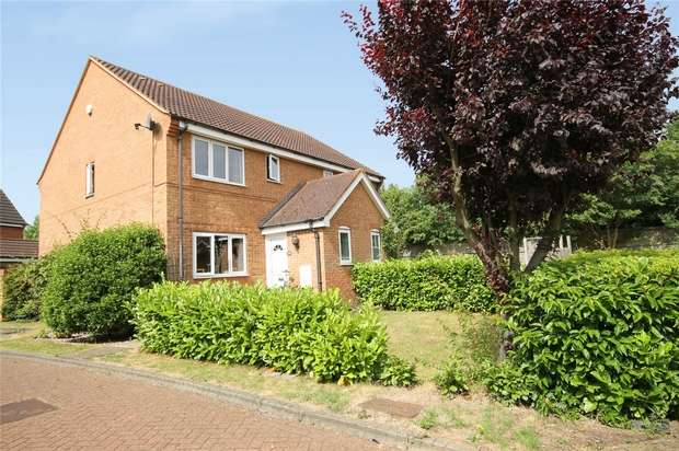 3 Bedrooms Semi Detached House for sale in Denton Drive, Marston Moretaine, Bedford