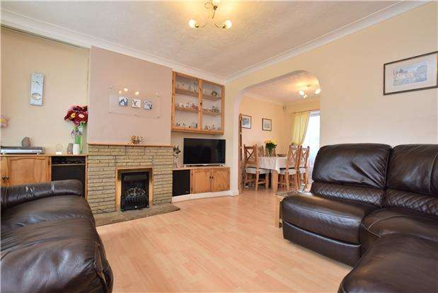 3 Bedrooms Semi Detached House for sale in Mathews Way, Wootton, Abingdon, Oxfordshire, OX13 6JX