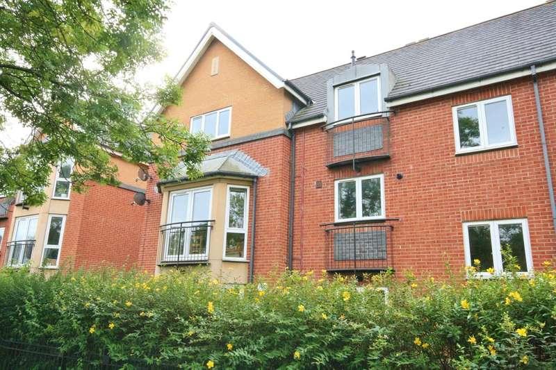 2 Bedrooms Flat for sale in Corvette Court, Schooner Way, Cardiff. CF10 4NL