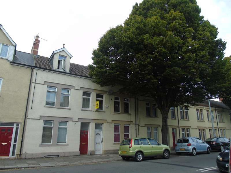 2 Bedrooms Flat for sale in Clare Road, Cardiff