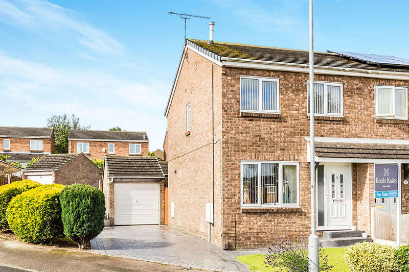 3 Bedrooms Semi Detached House for sale in Stubbin Close, Rawmarsh, Rotherham, S62