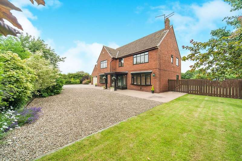 5 Bedrooms Detached House for sale in Middle Lane, Preston, HU12