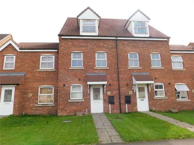 3 Bedrooms Town House for sale in Whimbrel Chase, Scunthorpe, Lincolnshire