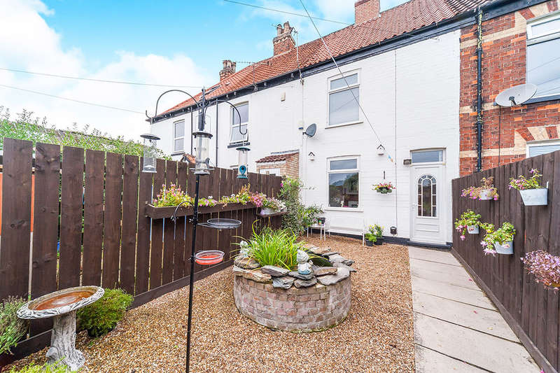 3 Bedrooms Terraced House for sale in Mount Pleasant, Sutton-On-Hull, Hull, HU7