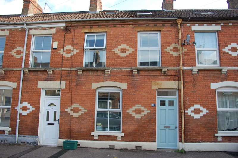 4 Bedrooms Terraced House for sale in Albermale Road, Taunton