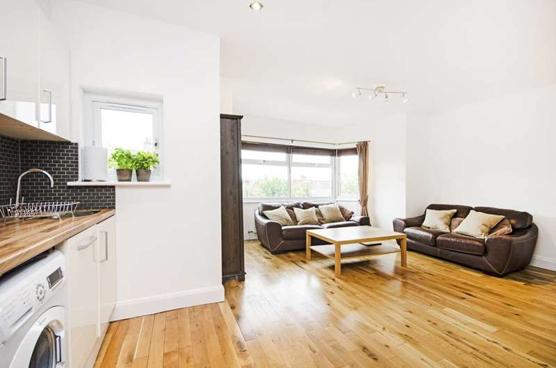 2 Bedrooms Flat for sale in Sevington Road, Hendon, NW4