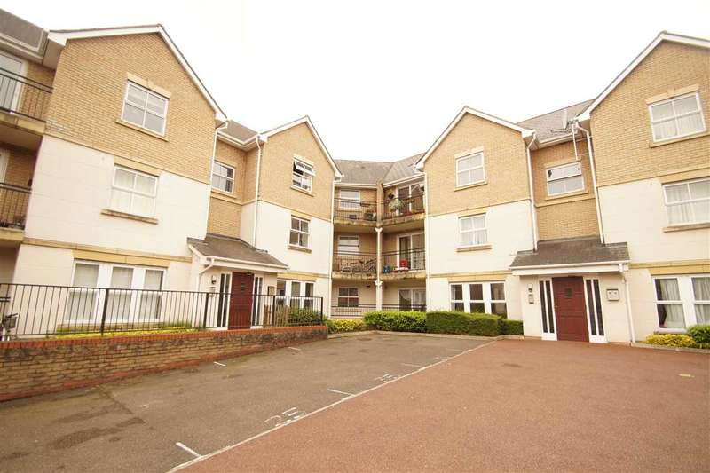 3 Bedrooms Apartment Flat for sale in Wallace Road, Mile End, Colchester