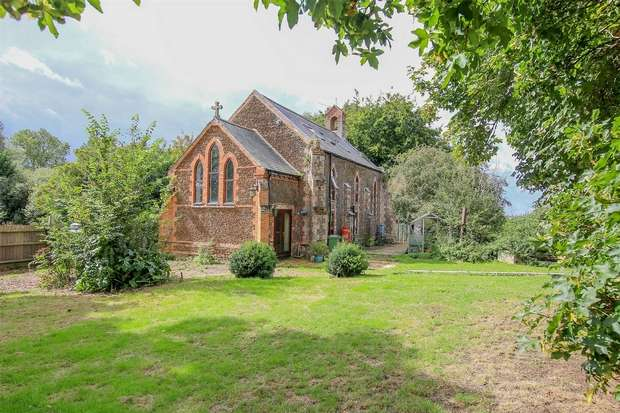 4 Bedrooms Detached House for sale in The Old Church, Setchey