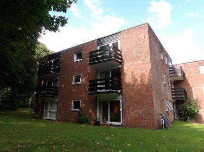 1 Bedroom Flat for sale in Charles Court, Wake Green Park, Birmingham, West Midlands