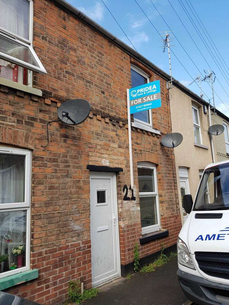 2 Bedrooms Terraced House for sale in Frampton Terrace, Gainsborough