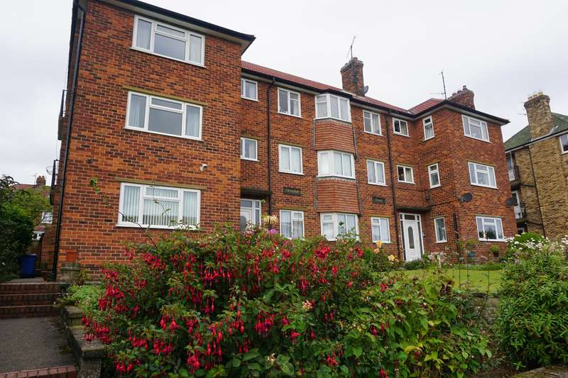2 Bedrooms Apartment Flat for sale in Dovedale Court, Weydale Avenue, Scarborough, YO12 6AS