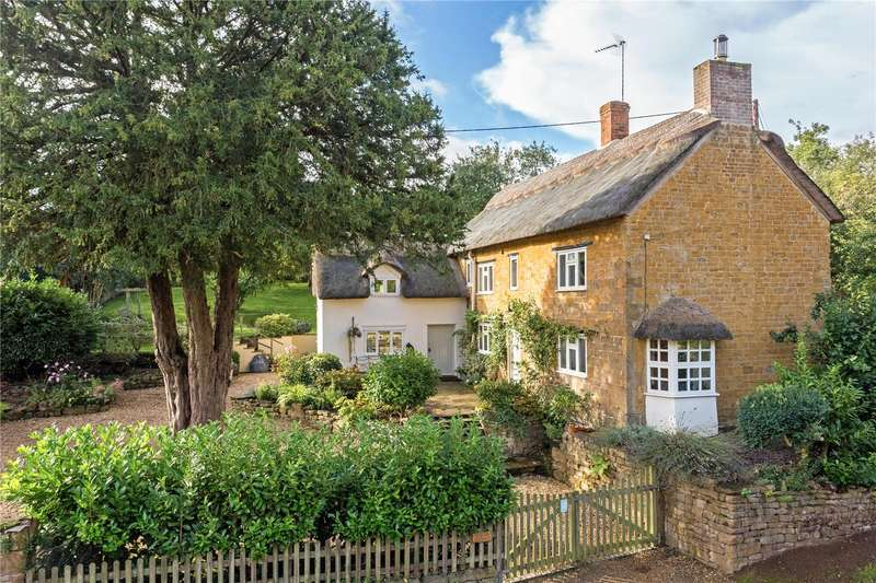 4 Bedrooms Detached House for sale in Main Street, Wroxton, Banbury, Oxfordshire, OX15