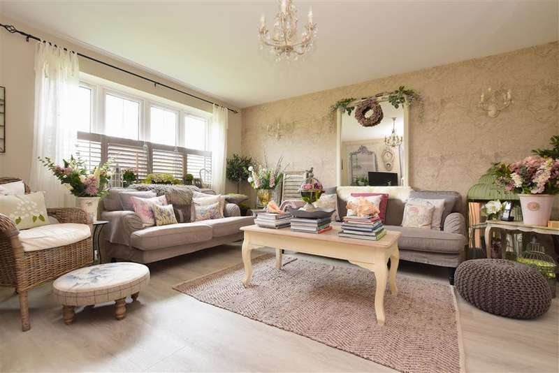 5 Bedrooms Terraced House for sale in Woodlands Close, Dorking, Surrey