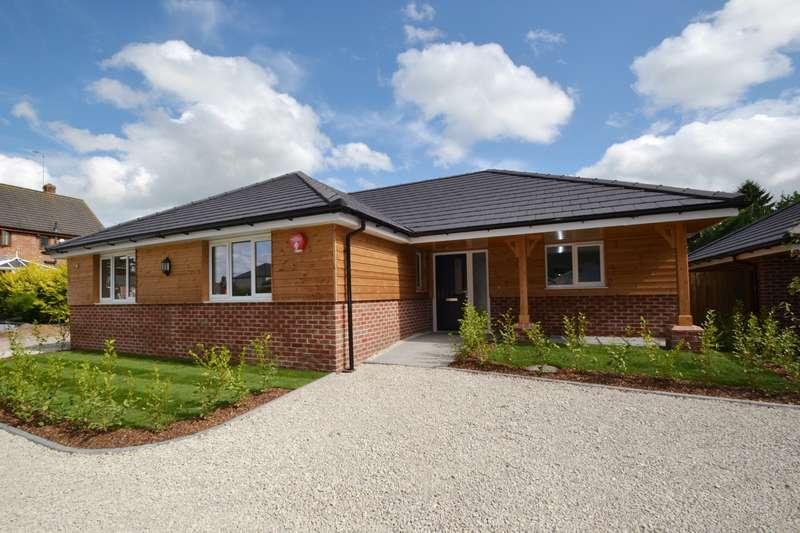 3 Bedrooms Detached Bungalow for sale in Alderholt