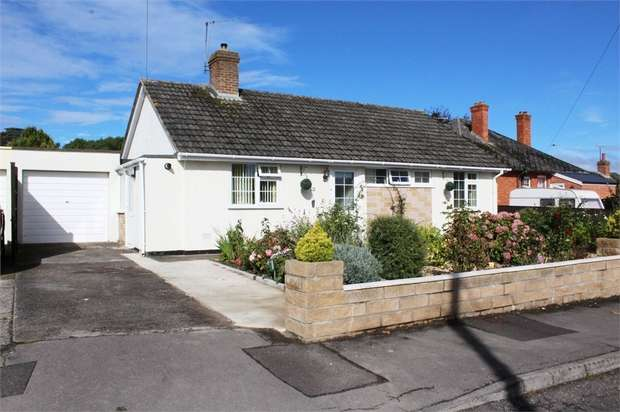 2 Bedrooms Detached Bungalow for sale in Laxton Close, Taunton, Somerset