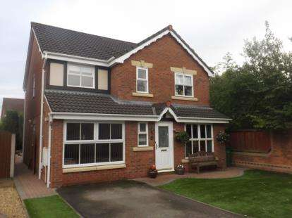 4 Bedrooms Detached House for sale in California Close, Great Sankey, Warrington