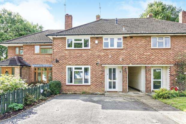 3 Bedrooms Terraced House for sale in Leatherhead, Surrey