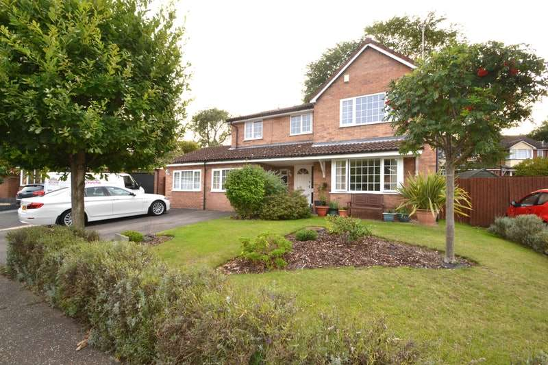5 Bedrooms Detached House for sale in Summerfields, Sible Hedingham, Essex, CO9