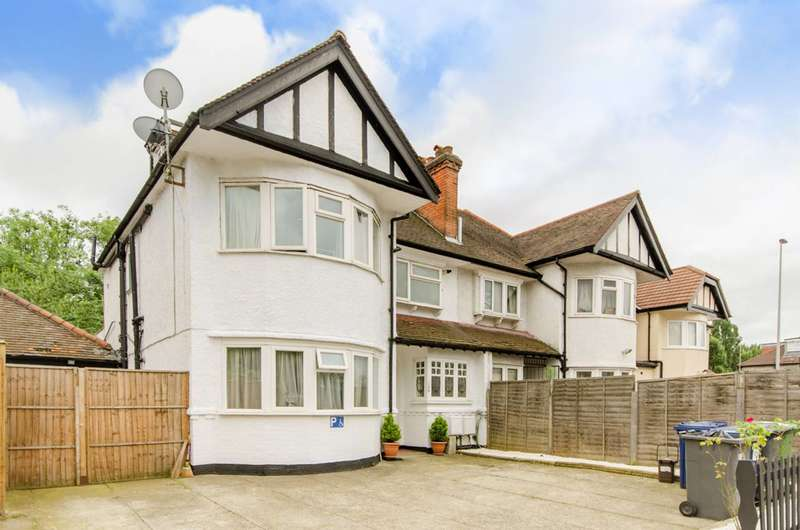 1 Bedroom Flat for sale in Cricklewood Lane, Child's Hill, NW2