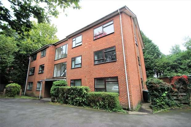 2 Bedrooms Flat for sale in Nightingale Place, Rickmansworth, Hertfordshire
