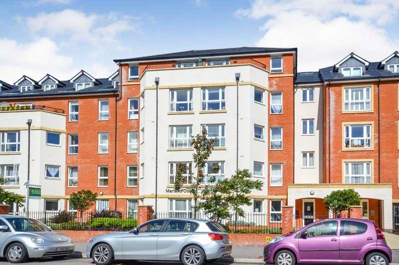 1 Bedroom Retirement Property for sale in Martello Court, Jevington Gardens, Eastbourne, BN21