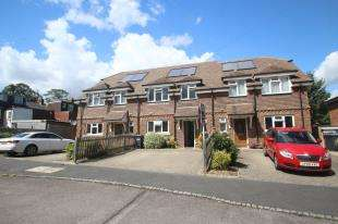 3 Bedrooms Terraced House for sale in Pitwick Cottages, Brickyard Lane, Crawley Down, West Sussex
