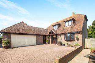 4 Bedrooms Detached House for sale in Sandwich Road, Whitfield, Dover