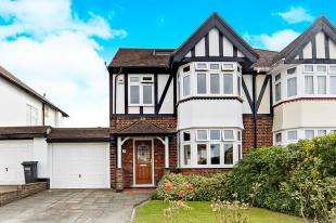 4 Bedrooms Semi Detached House for sale in Lake Road, Shirley, Croydon, Surrey