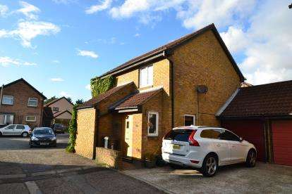 4 Bedrooms Detached House for sale in Chelmsford, Essex, England