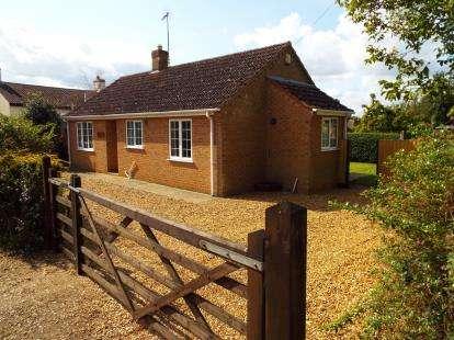2 Bedrooms Bungalow for sale in Stowbridge, Kings Lynn, Norfolk