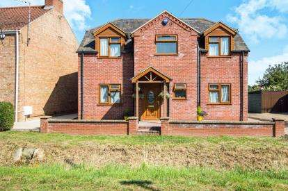 4 Bedrooms Detached House for sale in Wootton Road, King's Lynn, Norfolk